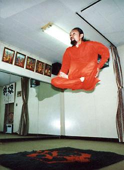 Manusia Terbang - Roghuzshy