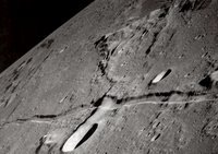 Bulan Terbelah - Misteri Roghuzshy