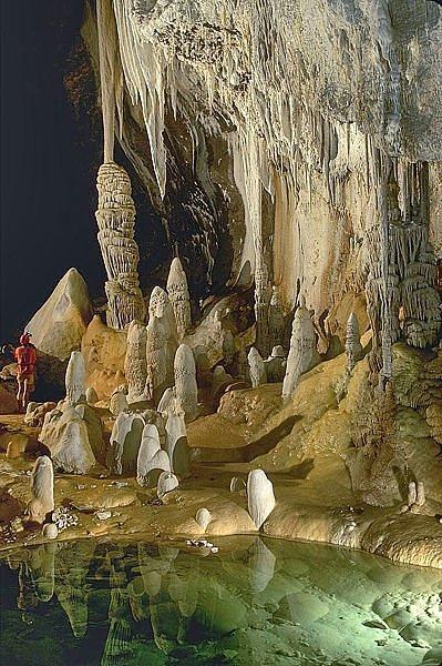 danau bawah tanah,telaga terlarang,sungai bawah laut,gambar menakjubkan